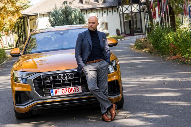 Gentlemen's Corner - Audi Q8