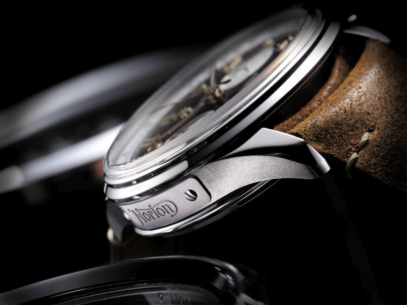 Breitling Premier B01 Chronograf 42 Norton Edition